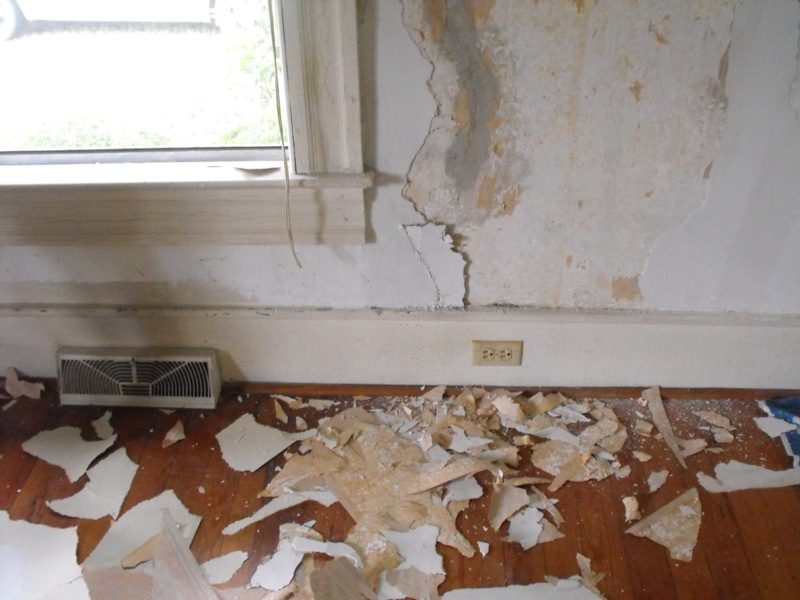 best way to take wallpaper off drywall