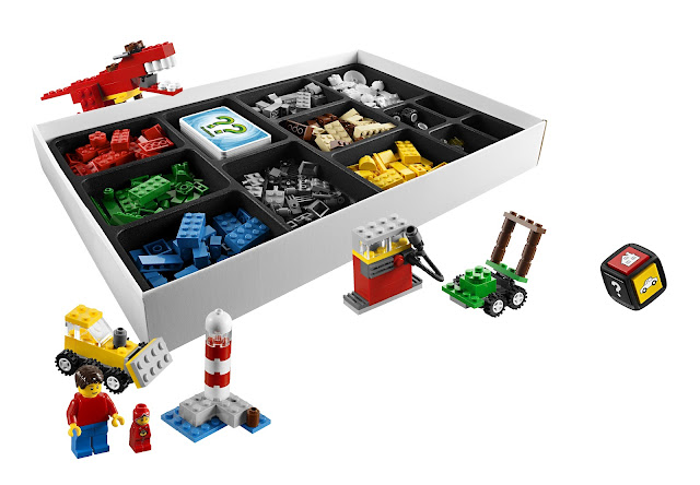 LEGO Creationary inside the box