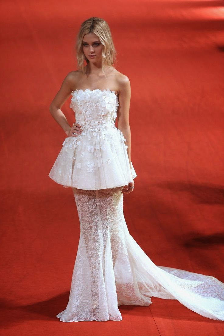 Nicola Peltz in Giambattista Valli , Nicola Peltz, Nicola Peltz Style, Red Carpet Style, Nicola Peltz Fashion, Nicola Peltz Red Carpet, Nicola Peltz in White