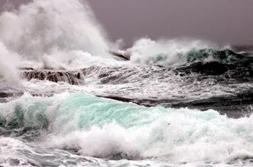 """Un alma libre es un ancho mar con un barco solo"""