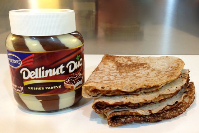 Dellinut Duo vegan chocolate spread...for Pancake Day