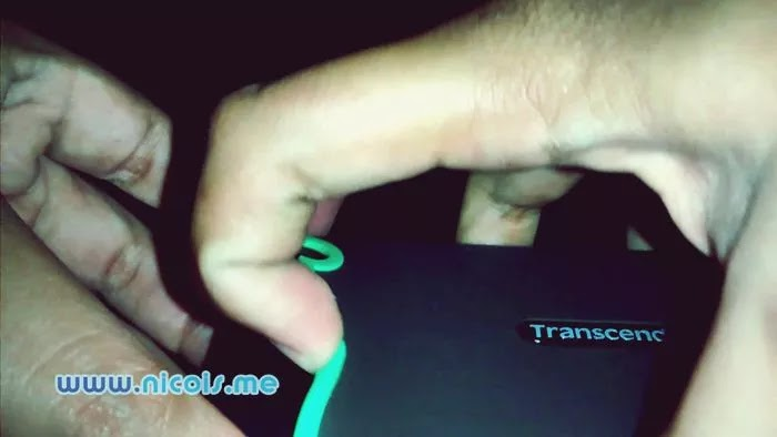 Transcend StoreJet 25M3 dilindung oleh silicone rubber