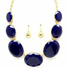 grt necklace set in Portugal
