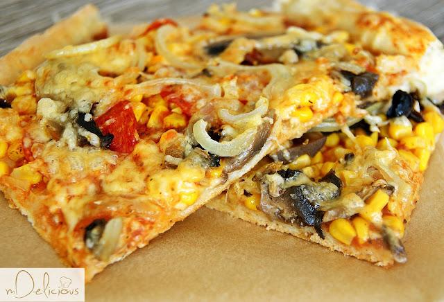 pizza na cienkim spodzie, pizza cienka, krucha pizza, przepis na pizzę, przepisy na pizzę, domowa pizza, przepis na domową pizzę, pizza przepis