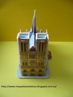 puzzle en 3-D de la catedral de Notre Dame de París
