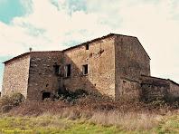 """La façana nord-est del Vilar. Autor: Francesc """"Caminaire"""""""