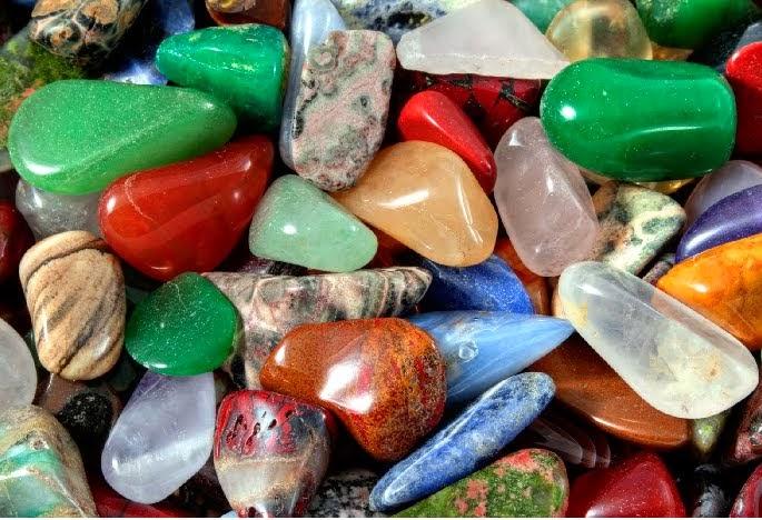 9 Cara mengetahui perbedaan batu mulia dengan batu akik imitasi