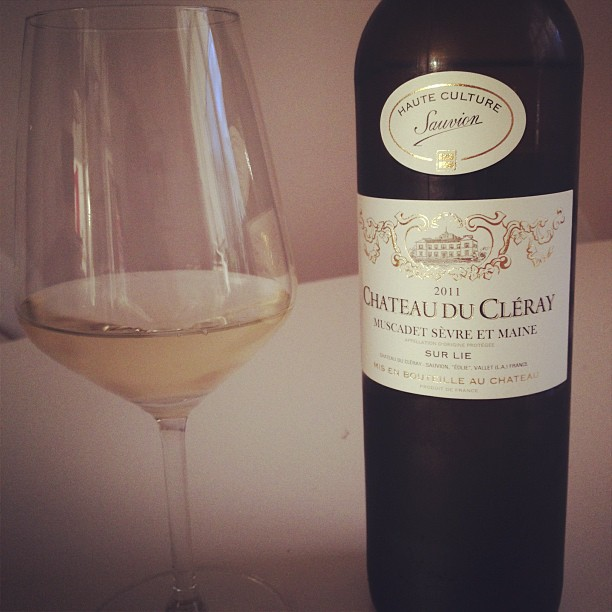 chateau du cléray white wine, muscadet from france