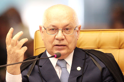 Após cassação, STF encaminha caso de André Vargas ao Paraná