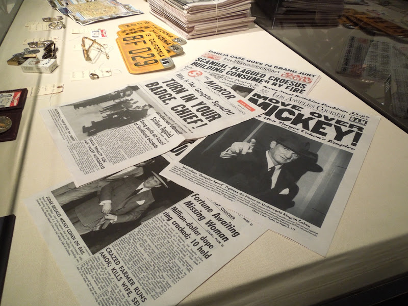 Gangster Squad newspaper movie props