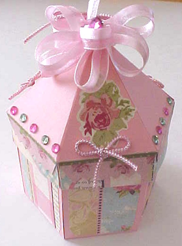 Exploding+box+carousel+pink2