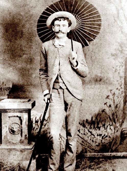 biograph of william sydney porter essay William sydney porter (o henry) the most popular short story writer of his era, william sydney porter (1862-1910) was born on.