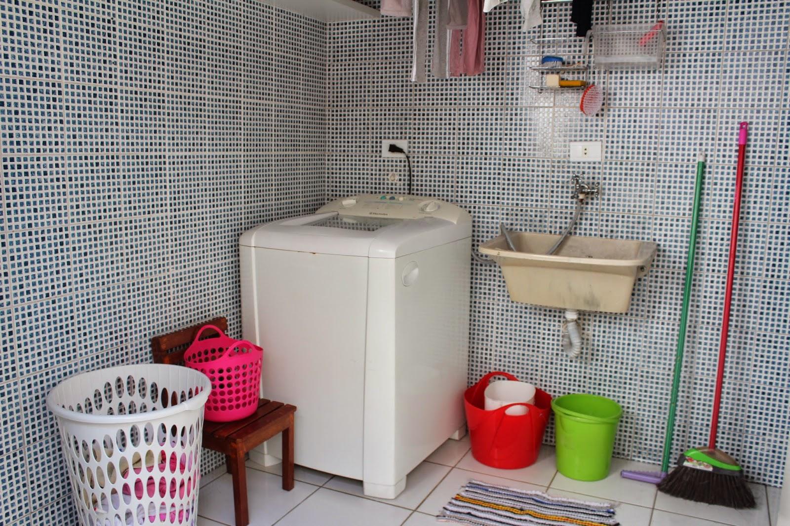 porta de correr é de um banheiro depois mostro o banheiro para vcs #B81324 1600 1066
