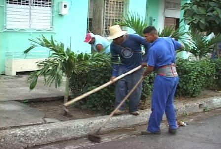 Garantiza Comunales higienización diaria de San Luis