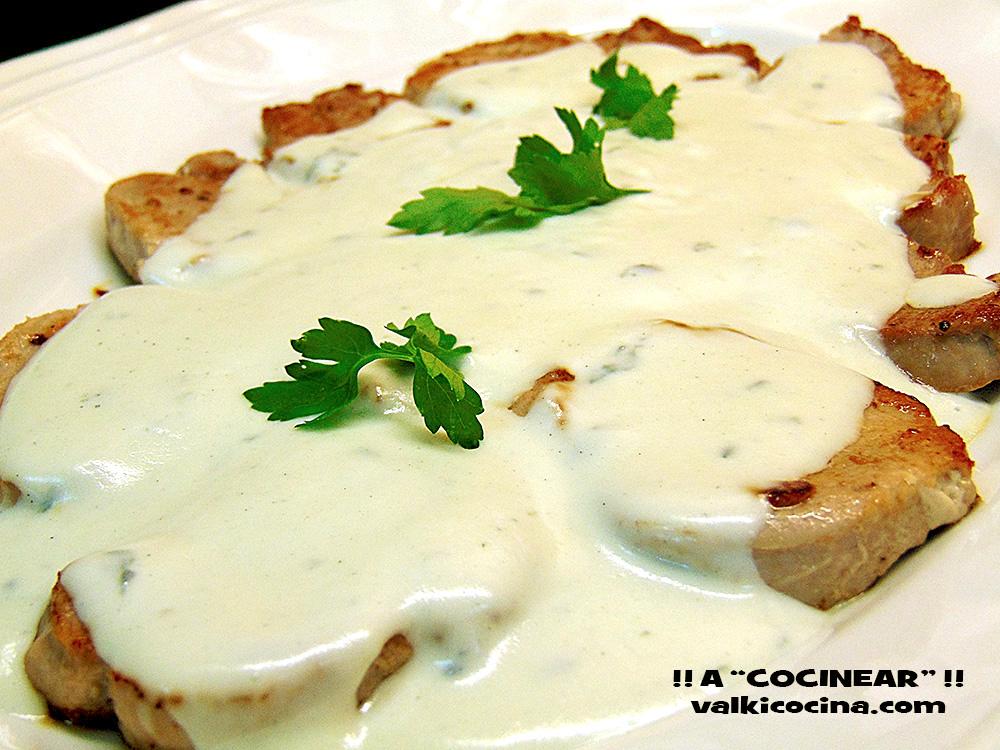 Solomillo de cerdo con salsa al roquefort a cocinear - Como preparar un solomillo de cerdo al horno ...