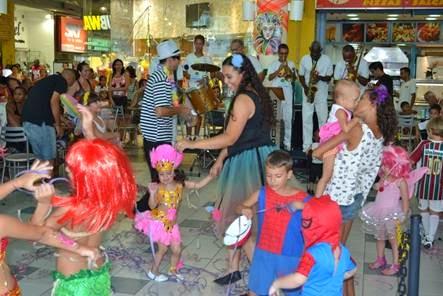 Santa Cruz Shopping promove bailinho infantil de pré-carnaval