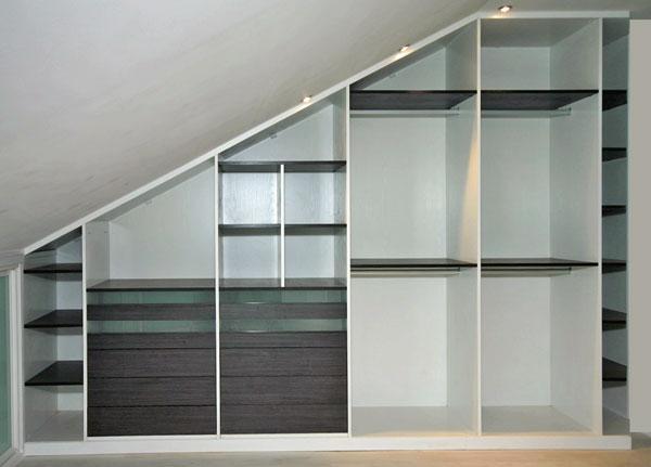 Proyecto uno interiores para vestidores for Armario debajo escalera