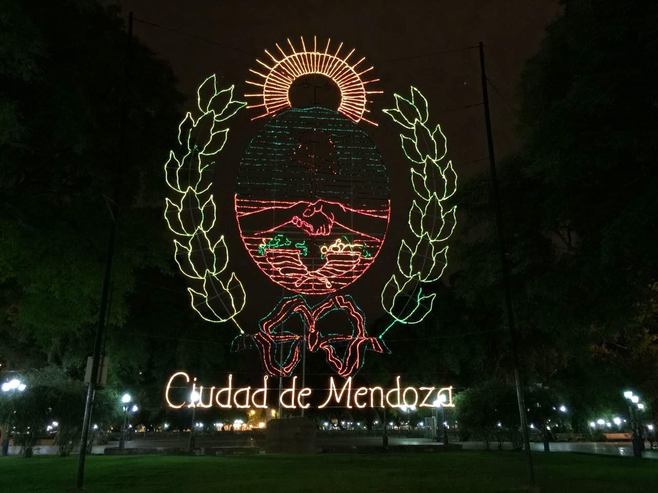 Mendoza in der Nacht