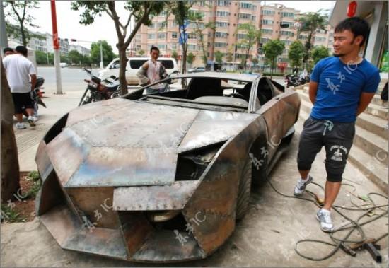 http://2.bp.blogspot.com/-_6nuXlDR8Uw/TdI1buqsluI/AAAAAAAAIa0/bVdXz2-UXKw/s1600/Lamborghini-Reventon-550x379.jpg