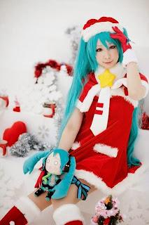 Miiko cosplay as Vocaloid Hatsune Miku X-Mas