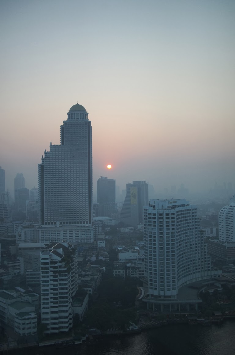 peninsula bangkok hotel view