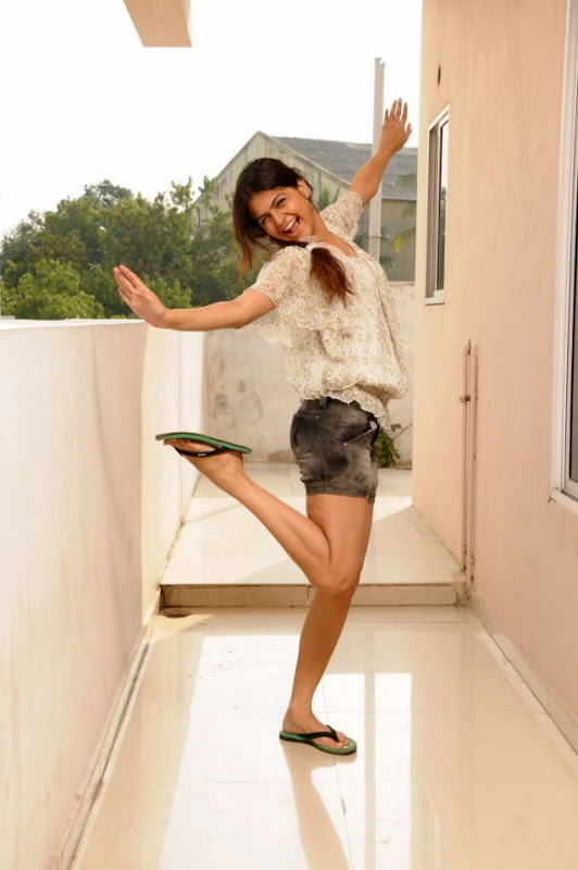 Actress Shobha Latest Hot Photos Stills wallpapers