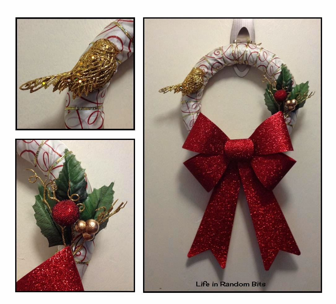 Glittery candy can inspired wreath ~ Life in Random Bits #christmas #decor #diy