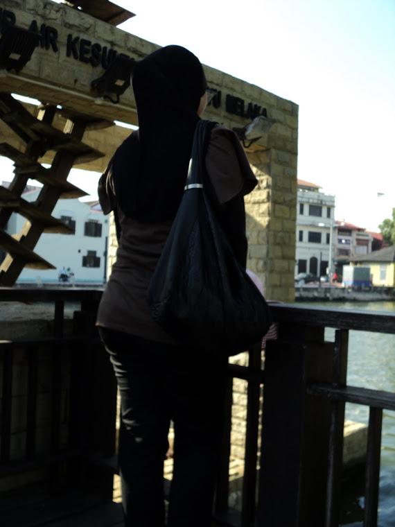 Miss Zaza Pinky Merenung Kisah Hidup Di Perantauan