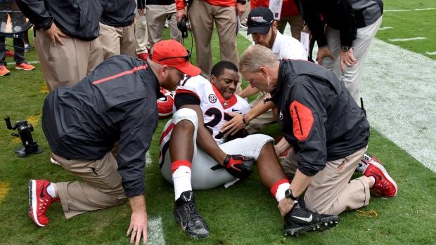 #Georgia loses star RB Chubb to knee injury