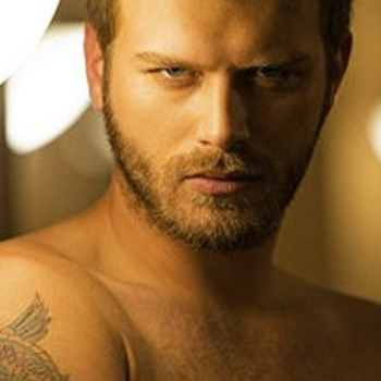 Kivanc Aka Behlul of Ishq-e-Mamno Visiting Pakistan Soon ~ Pakistani