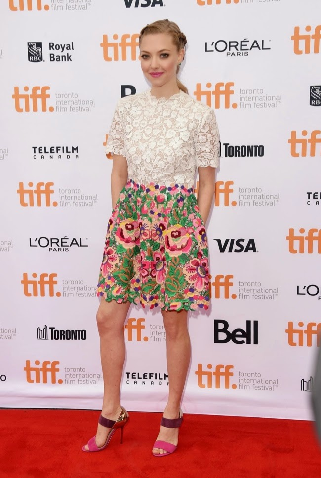 Amanda Seyfried is gorgeous in Valentino at the 'While We're Young' Toronto International Film Festival premiere