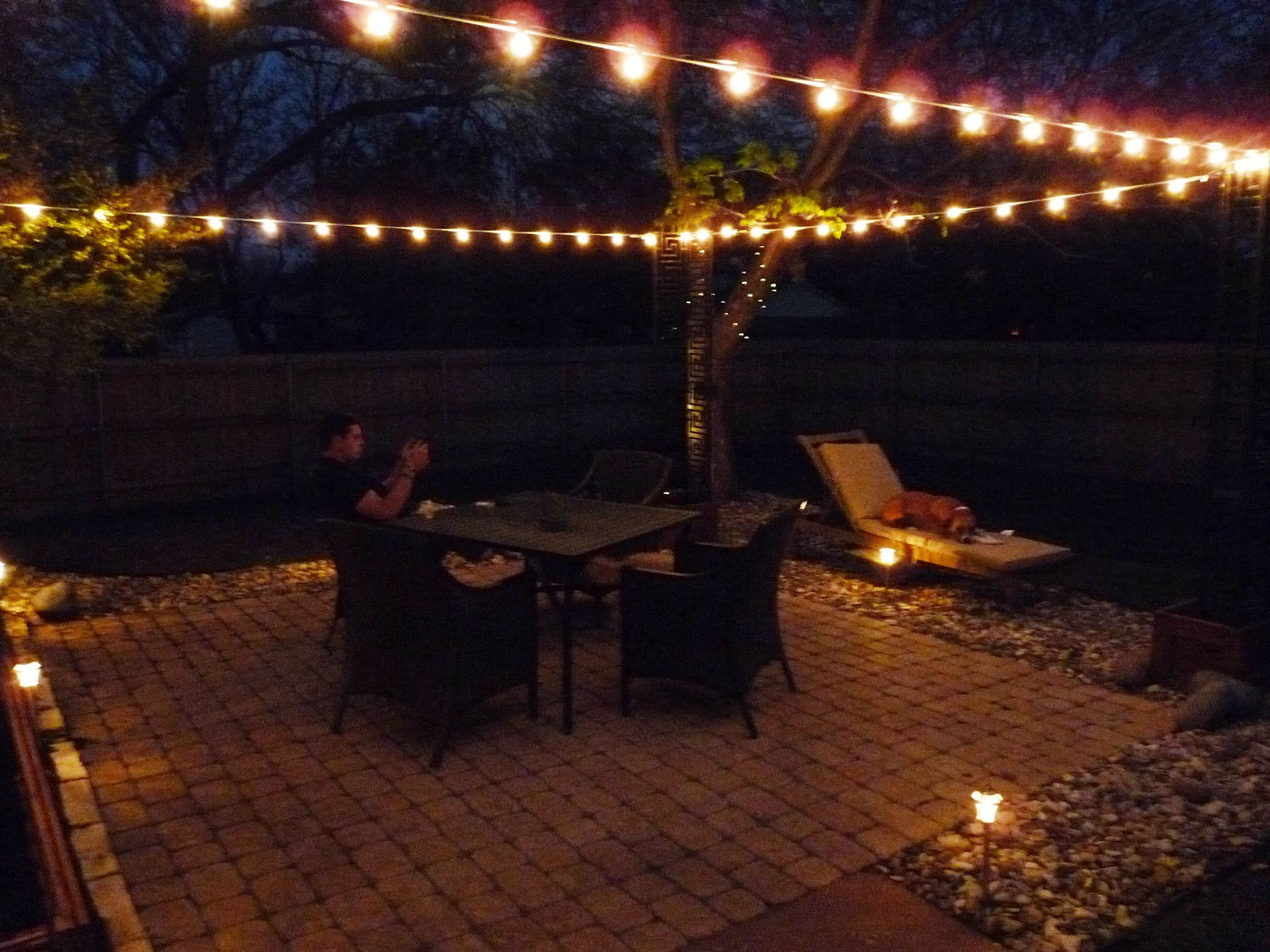 The Happy Homebo s DIY Stringing Patio Cafe Lights