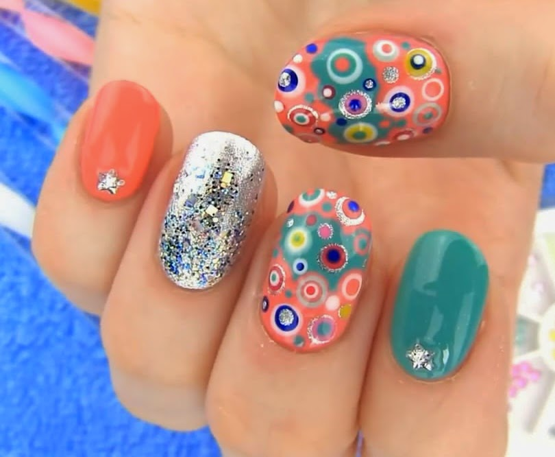 Dotted Mix And Match Nails Art Style