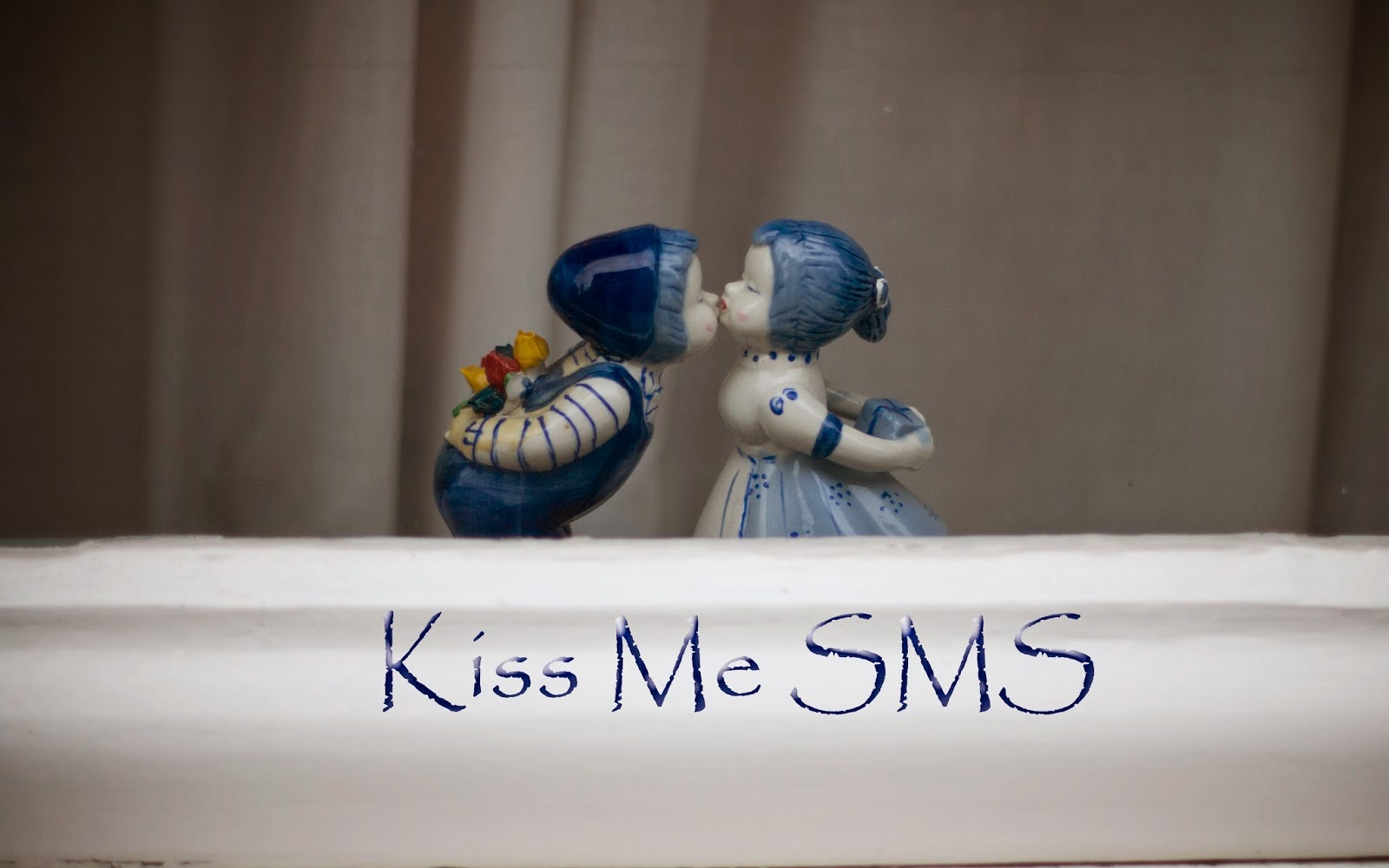 Kiss Me SMS For Valentine's Day