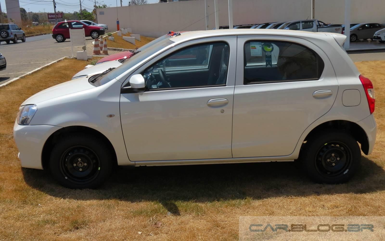 Toyota Etios 2015 Fotos Precos Eon 2014 Toyota Corolla S Interior