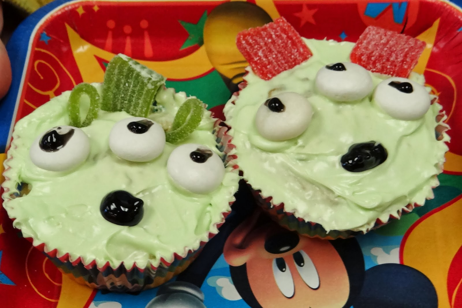 Toy Story Green Alien Cupcake - Showing Our #DisneySide Through Baking #spon