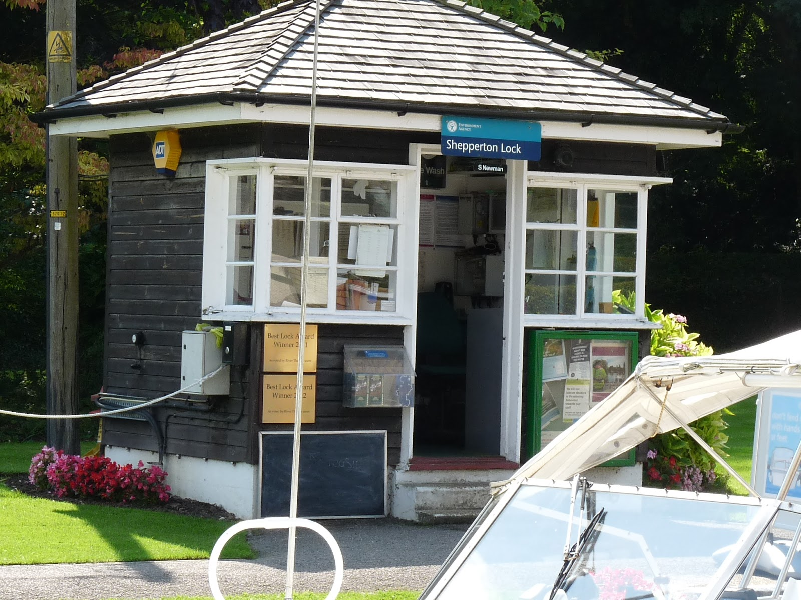 Shepperton Lock Tea Room