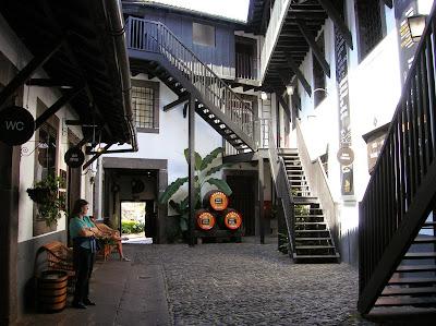 Museo Madeira Wine, Old Blandy Wine Lodge, Funchal, Madeira, Portugal, La vuelta al mundo de Asun y Ricardo, round the world, mundoporlibre.com