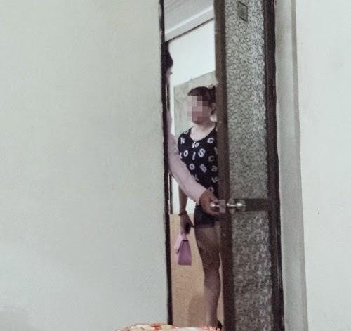 Xuống Đồ Sơn xem 'chân dài' 9X xếp hàng cho khách chọn