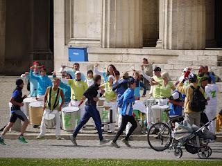 München Marathon vor den Propyläen