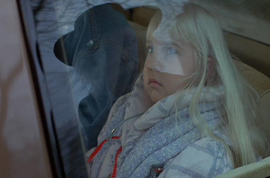 The Girl Who Loves Horror: Movie Review: POLTERGEIST 3 (