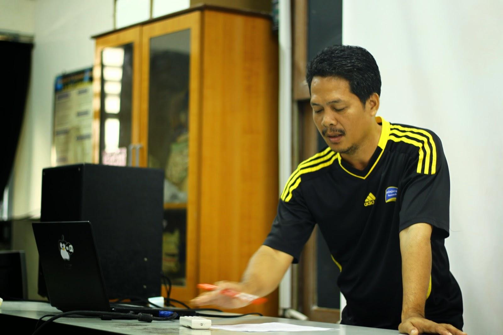 Cikgu Mackie Juing Ketua Panitia Kimia