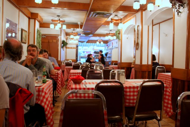 Country style hungarian restaurant food junkie chronicles for Diner style curtains