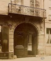 Balcon du 99 rue du Bac à Paris, photo Atget vers 1900