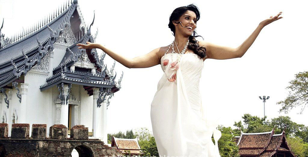 Asin New Movie New Bollywood Acterss Asin Hot