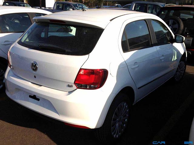 VW Gol G6 2013 - traseira - branco