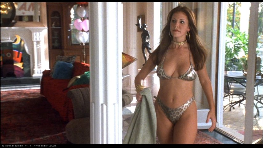 Nikki Cox looking sexy in her bikini as the beer girl in Run Ronnie Run movieloversreviews.blogspot.com