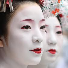 Maquillage geisha traditionnel