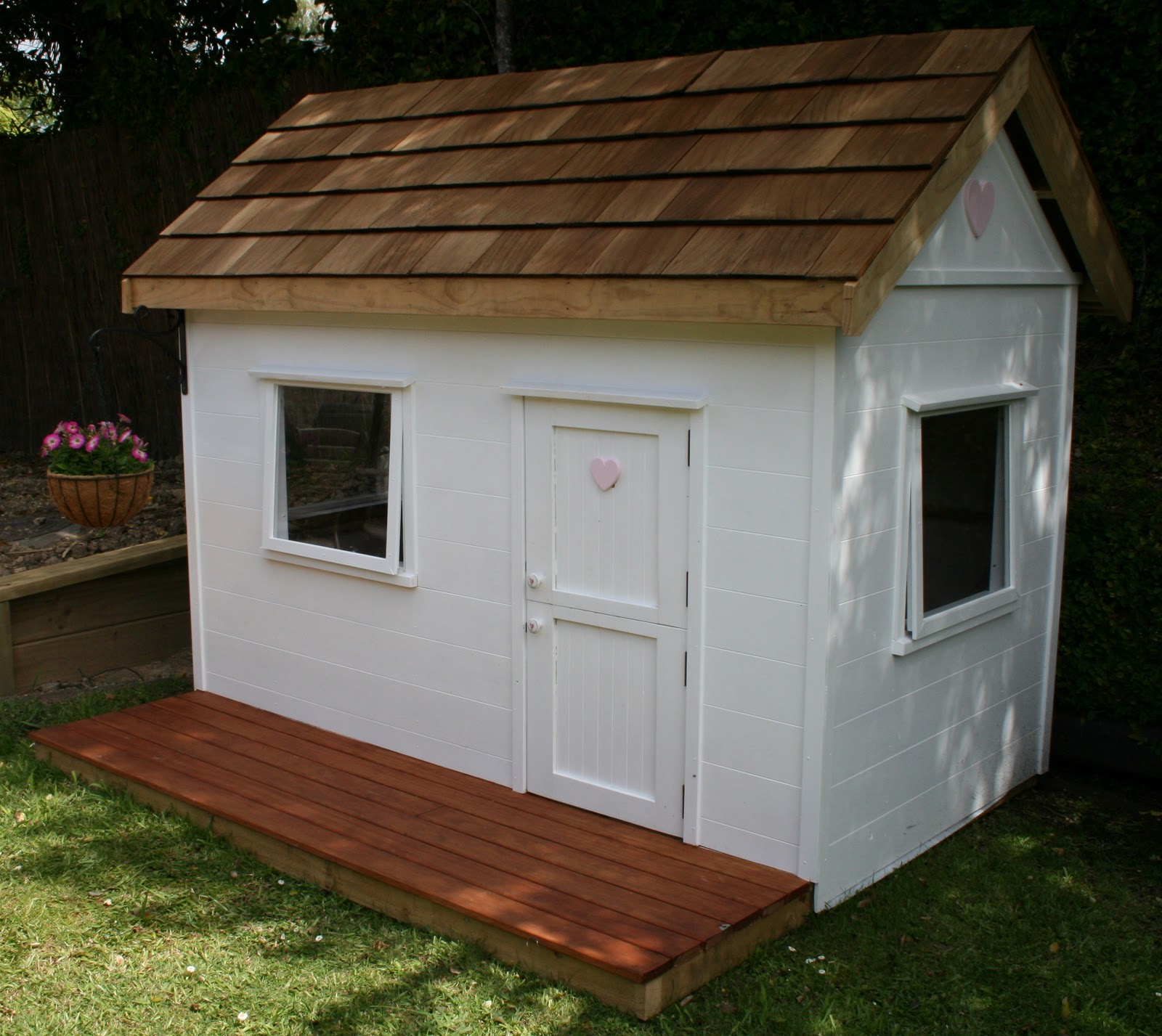 Little Housewife: Our Wendy House