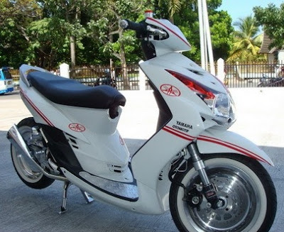 Top modifikasi motor mio warna putih